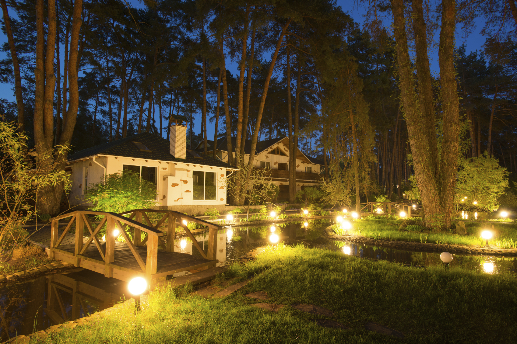 Garden Walkways Helpful Tips For Landscape Lighting Placement